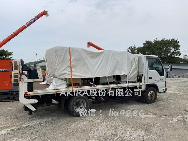 启程送小型粉碎机karui去码头的保税区仓库